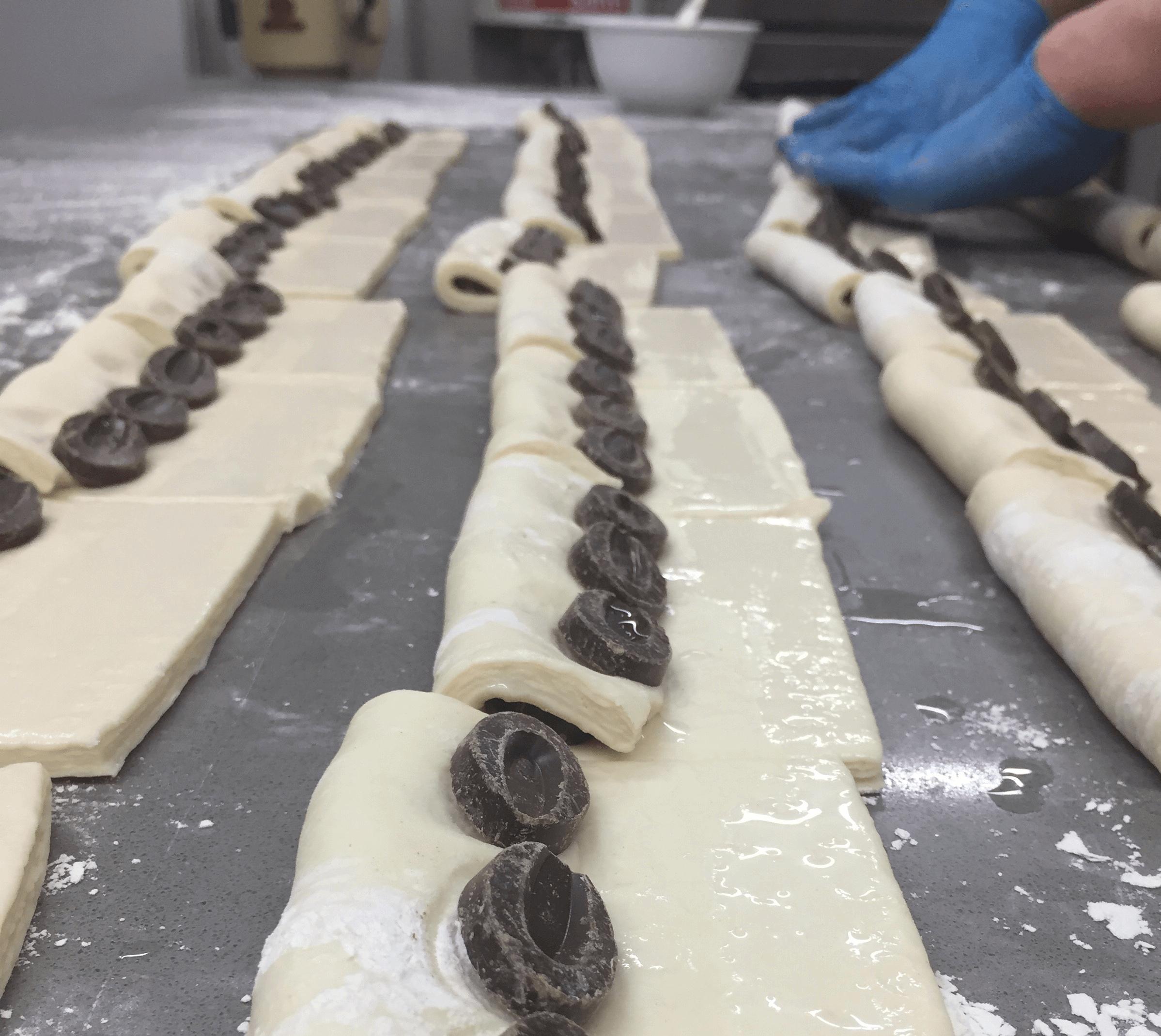pain au chocolat pasteleria mejor terrassa pastisseria les saveurs